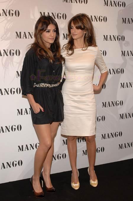 Манго-Mango-знаменитый-бренд-стильной-одежды-из-Испании-5