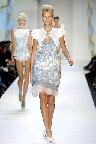 Moschino-легендарный-бренд-в-мире-моды-4