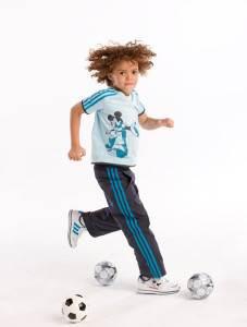 Адидас-Adidas-детская-одежда-и-описание-бренда-2