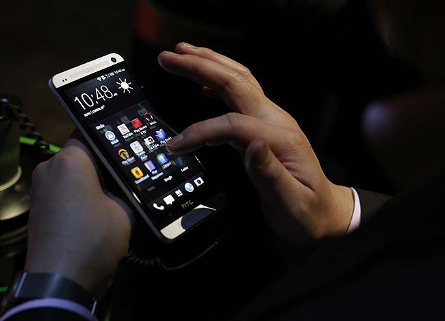 Обзор-смартфона-HTC-One-4