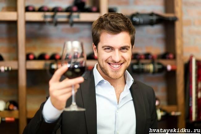 Как-открыть-вино-без-штопора-3